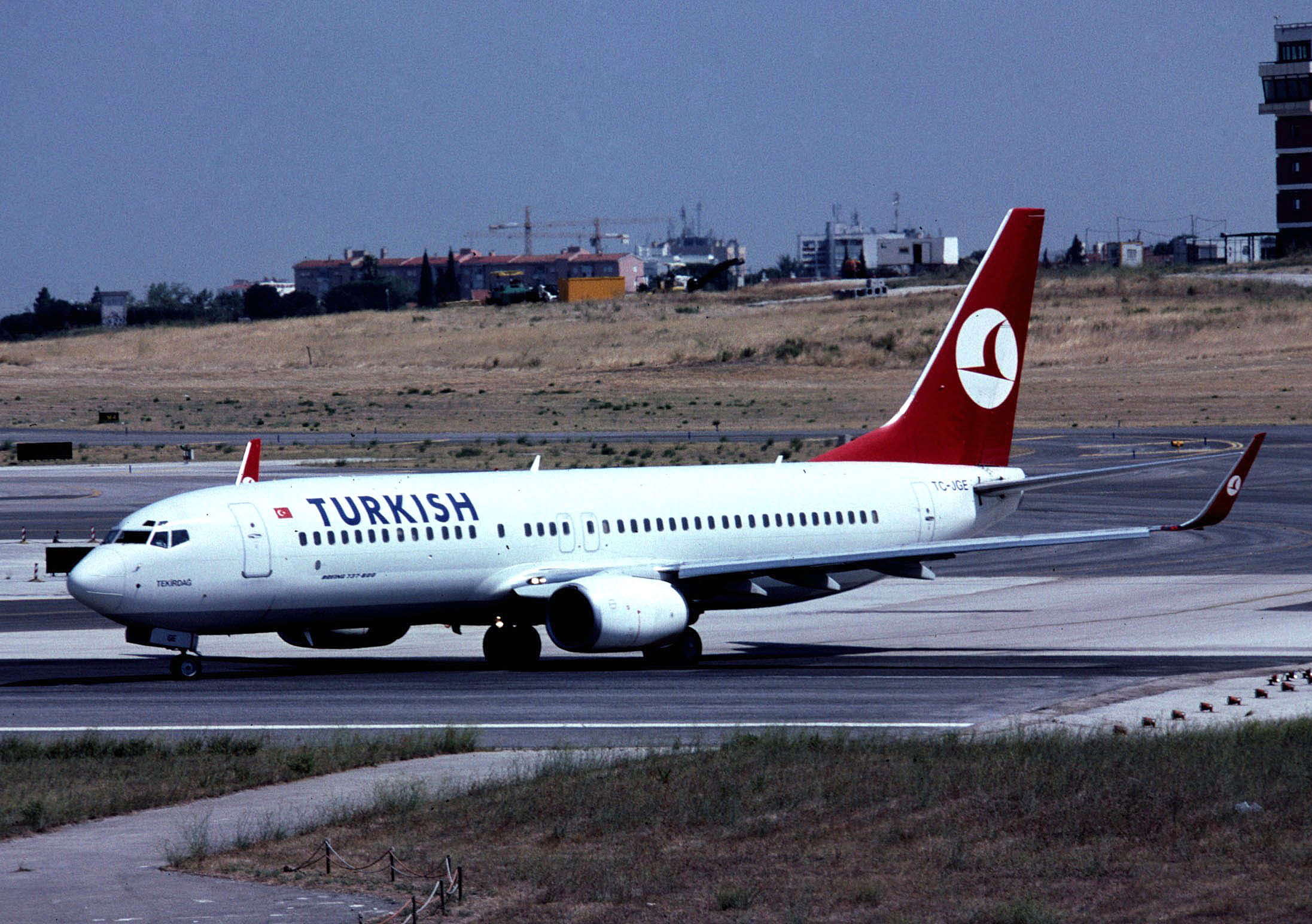 turkish-737-800-wl-tc-jge-90grd-lis-p4lr.jpg