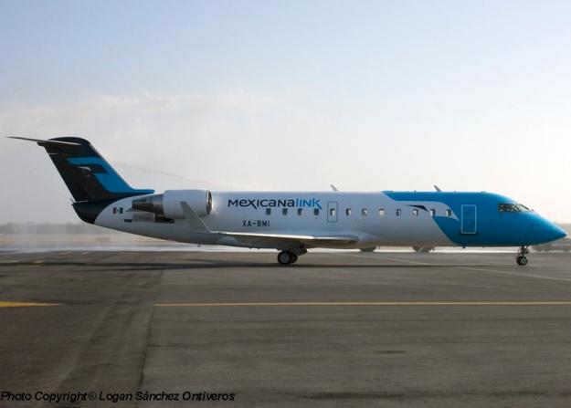 Bombardier CRJ200 (CL-600-2B19) XA-BMI (msn 7311) is pictured at the GDL base.  Copyright Photo: Logan Sanchez Ontiveros.