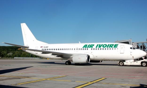 Boeing 737-3H9 YU-ANV (msn 24140) prepares to depart from Geneva for Belgrade with Air Ivoire titles.  Copyright Photo: Adrian Arzenheimer.