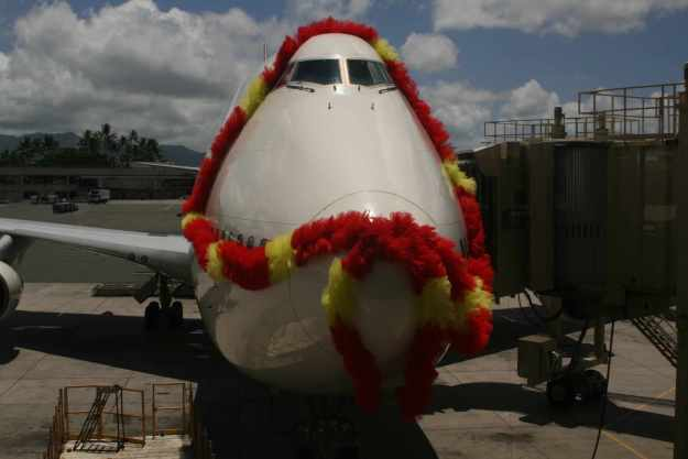 Boeing 747-346 JA812J (msn 23067) had the honor of flying the last JAL 747 Classic flight from Honolulu to Tokyo (Narita). The Jumbo was wrapped in a giant lei at HNL before it made the last revenue departure.  Copyright Photo: Shigeyoshi Sakaki.