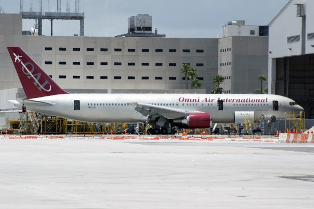 Omni's new ex-Air France/Air Holland/Zoom Boeing 767-328 is now registered N225LF (msn 27136) at Miami in the new livery. It should become N342AX. Copyright Photo: Wade DeNero.