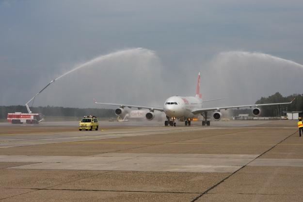 Swiss A340-300 HB-JMN (01)(Salute) NUE (GM)(LR)