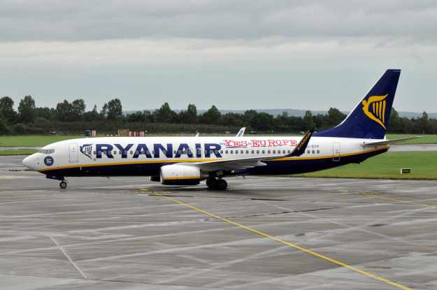 "Normally using its aircraft as protest surfaces, Ryanair has selected its Boeing 737-8AS EI-EFP (msn 37540) to add a ""Ryanair says Yes to Europe"" banner and ""Vote Yes"" decal.  EI-EFP is pictured at Dublin.  Copyright Photo: Marco Finelli."