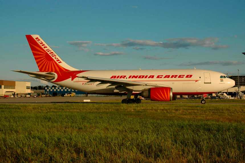 Copyright Photo: Bernhard Ross.  Please click on photo for full view, information and other Air India photos.