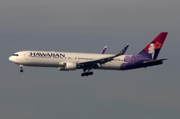 Hawaiian 767-300 WL N587HA (01)(Apr) LAX (M2)(LR)