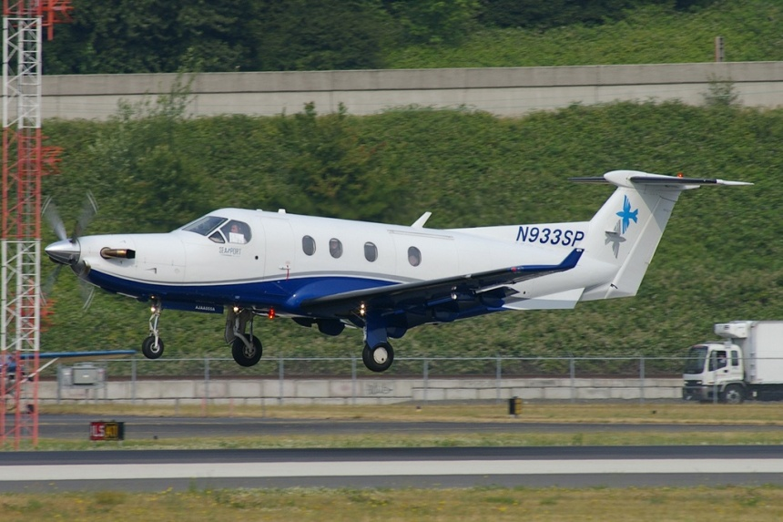 Copyright Photo: Joe G. Walker.  Pilatus PC-12/45 N933SP (msn 240) is pictured arriving at Seattle (King County-Boeing Field).