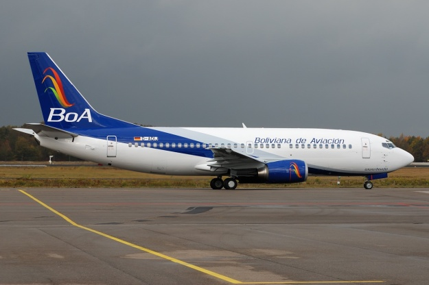 Boliviana de Aviacion-BoA 737-300 D-ADIJ (08)(Grd) EIN (TNS)(LR)