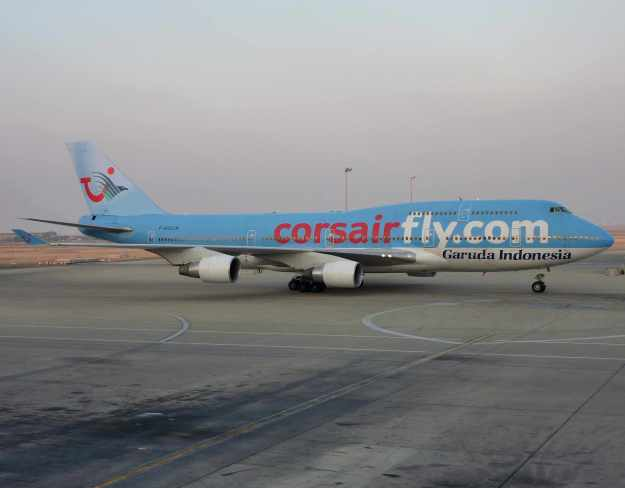 Corsairfly.com-Garuda Indonesia 747-400 F-HSUN (01-TUI)(Grd) JED (CL)(LR)