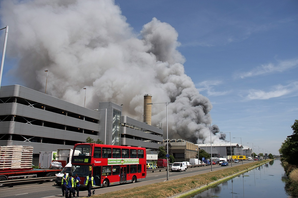 Warehouse Fire At London Heathrow Airport Today World