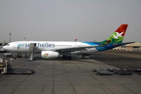 Airt Seychelles A330-200 A6-EYY (11)(Grd) AUH (KVW)(LRW)