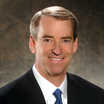 American Airlines CEO Tom Horton (LR)