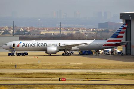 American 777-300 N718AN (13)(Grd) DFW (JRL)(LRW)
