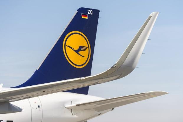 Lufthansa A320-200 WL D-AXAE (D-AIZQ)(88)(Tail) XFW (Airbus)(LR)