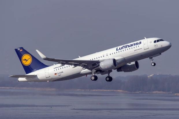 Lufthansa A320-200 WL D-AXAE (D-AIZQ)(88)(Tko) XFW (Airbus)(LR)