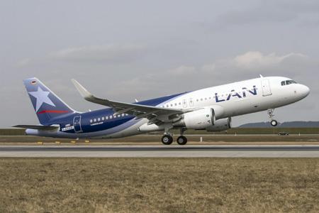 LAN (Chile) A320-200 WL D-AXAW (CC-BFK)(04)(Tko)(Airbus)(LRW)