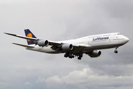 Lufthansa 747-800 D-ABYI (88)(Apr) PAE (JGW)(LRW)