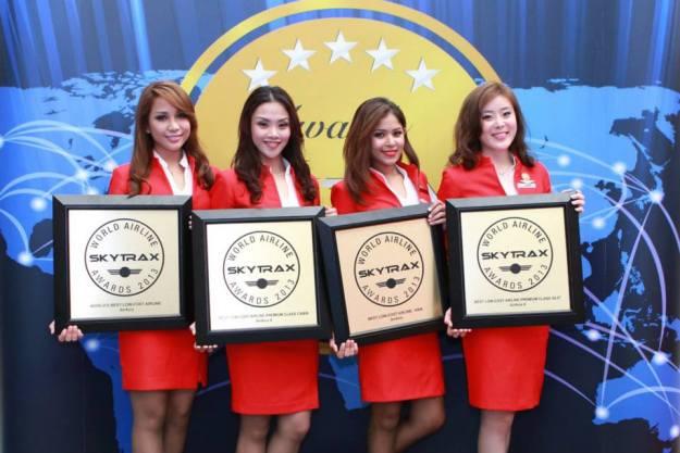 AirAsia Japan FAs SkyTrax 2013 (AirAsia)(LR)