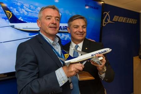 Ryanair-Boeing Signing Ceremony (Boeing)(LR)