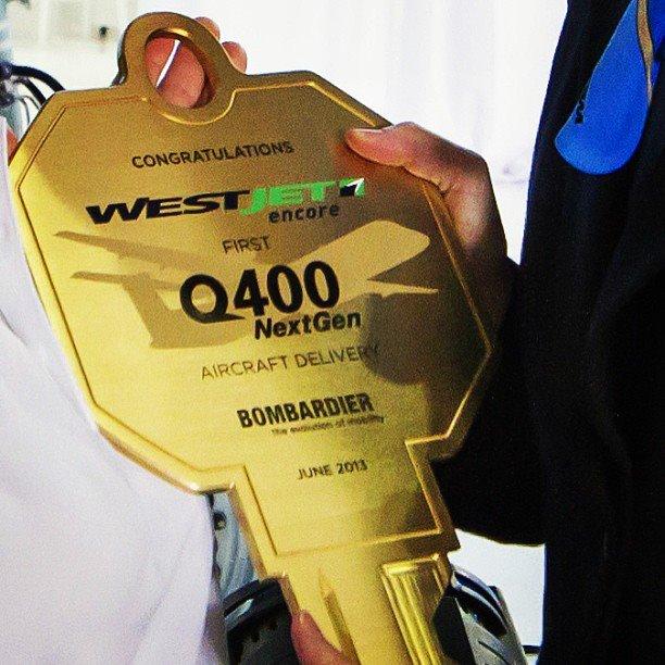 WestJet DHC-8-400 (95)(Key)(WestJet)(LR)
