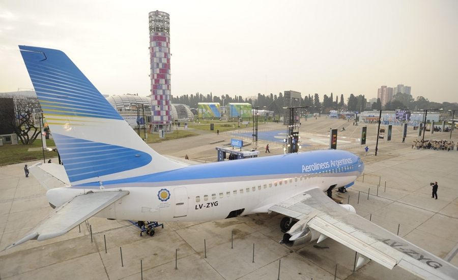 Aerolineas Argentinas puts retired Boeing 737-236 LV-ZYG on display ...