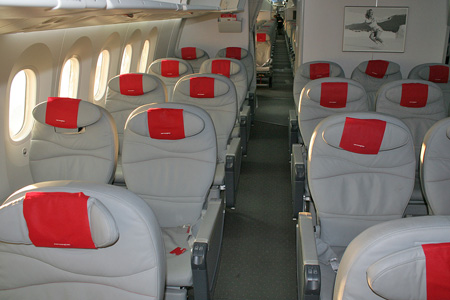 Norwegian.com 787-8 EI-LNA (02-Sonja Henie)(Cabin-2) LGW (AHE)(LRW)