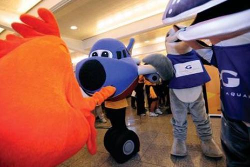 Southwest T.J. Luv mascot (Southwest)(LR)