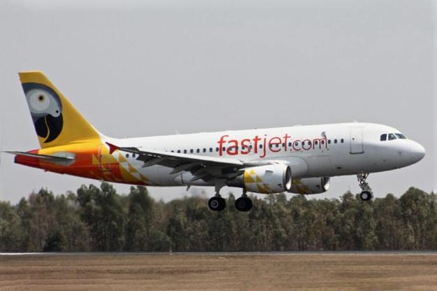 Fastjet A319-100 (12)(Ldg)(Fastjet)(LR)