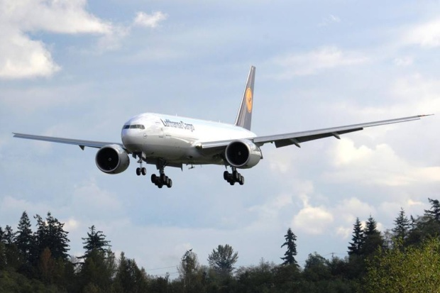Lufthansa Cargo 777F D-ALFA (03)(Ldg) FRA (Lufthansa Cargo)(LR)