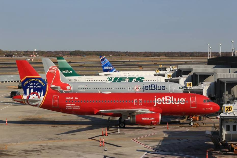 JetBlue A320-200 Fleet (Grd) JFK (JetBlue)(LR)