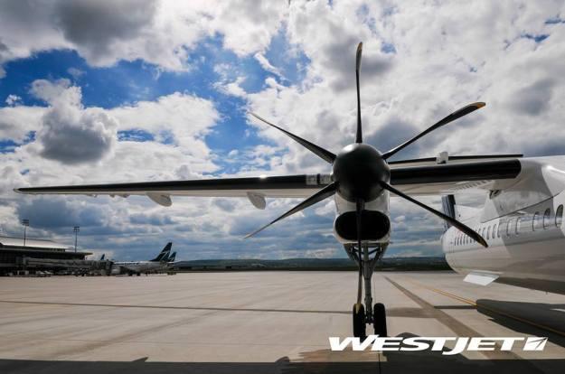 WestJet Encore DHC-8-400 Engine (WestJet)(LR)