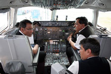 Biman Bangladesh DC-10-30 S2-ACR (cockpit)(AHE)(LRW)