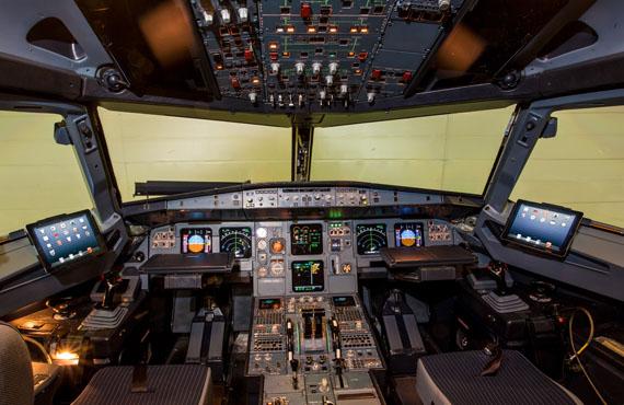 Iberia A321-200 EC-ILP Cockpit with iPads (Iberia)(LR)