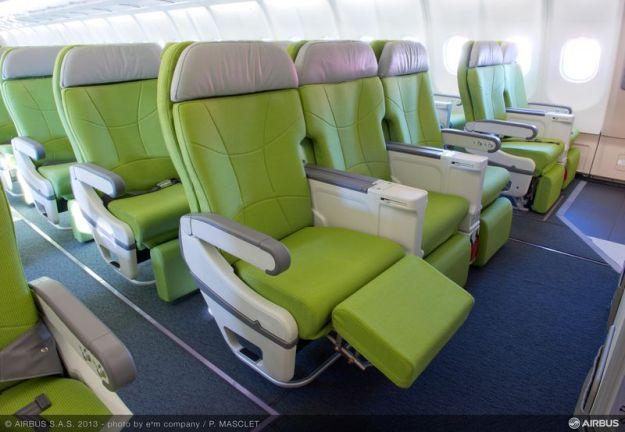 Skymark A330-300 Cabin (Airbus)(LR)