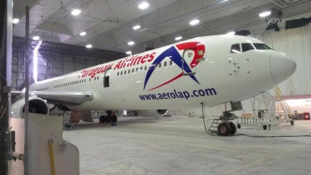 AeroLap Paraguay Airlines 767-300 (14)(Nose)(AeroLap)(LR)