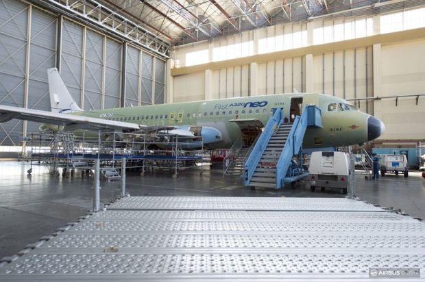 Airbus A320neo (6101)(Airbus)(LR)