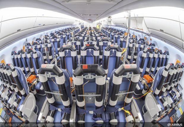 Airbus A350-900 F-WWCF Test Cabin (Airbus)(LR)