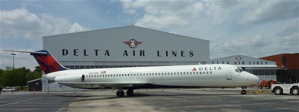 Delta DC-9-51 N675MC (07)(Grd) ATL (Delta Flight Museum)(LR)