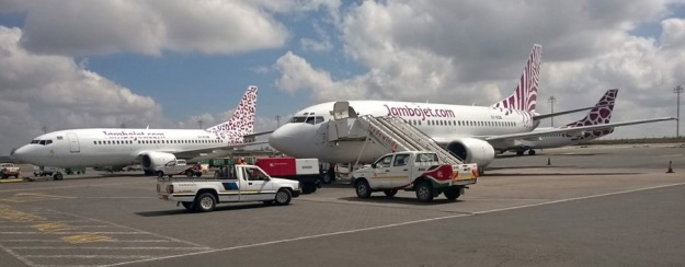 Jambojet 737-300 fleet (Nairobi)(Jambojet)(LR)