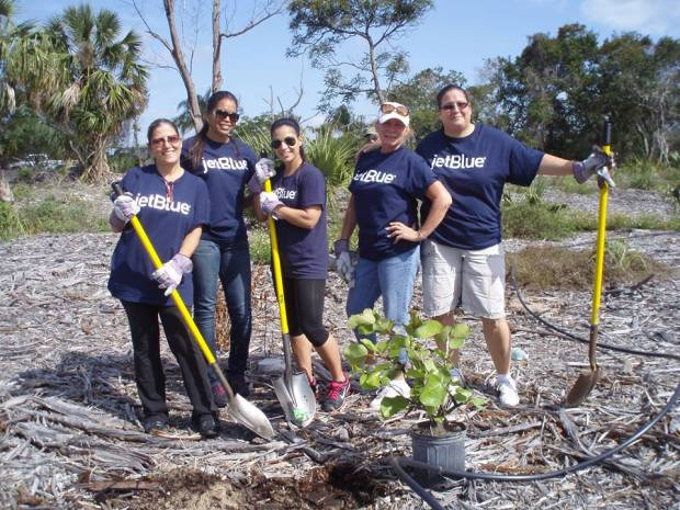 JetBlue Community Volunteers (JetBlue)(LR)