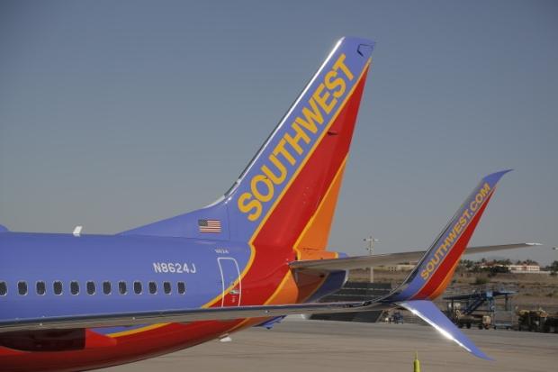 Southwest 737-800 SSWL N8624J (Winglets-1)(Southwest)(LR)