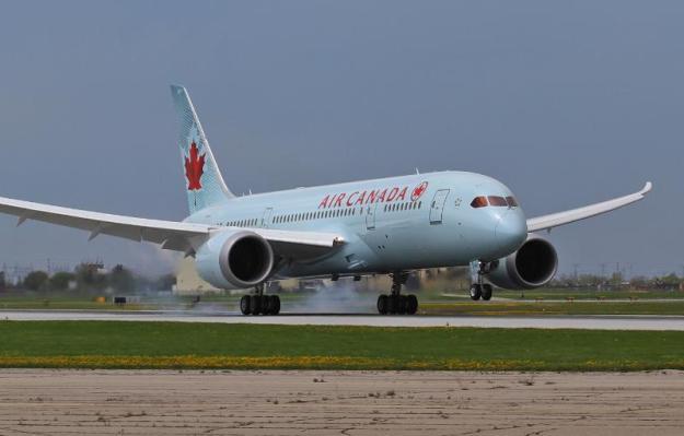 Air Canada Flight AC7008