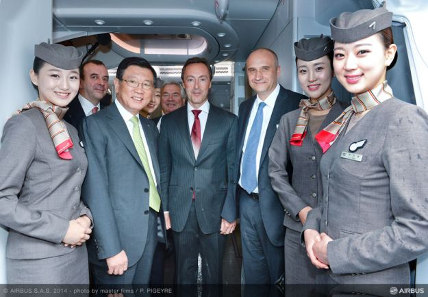 Asiana A380 Delivery Ceremony (Airbus)(LR)