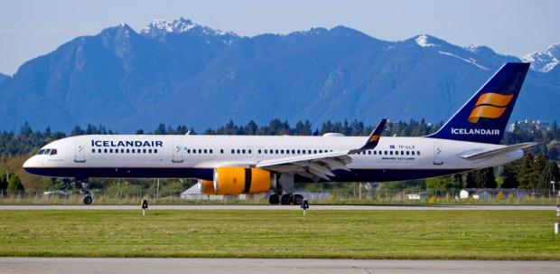 Icelandair 757-200 WL TF-LLX (99)(Grd) YVR (YVR)(LRW)