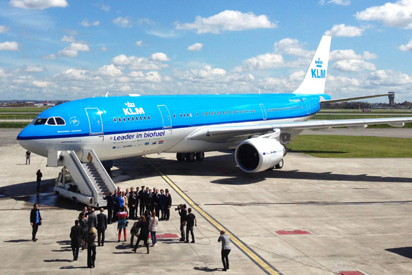 KLM A330-200 PH-AOM (02-Leader in biofuel)(Grd)(Airbus)(LRW)