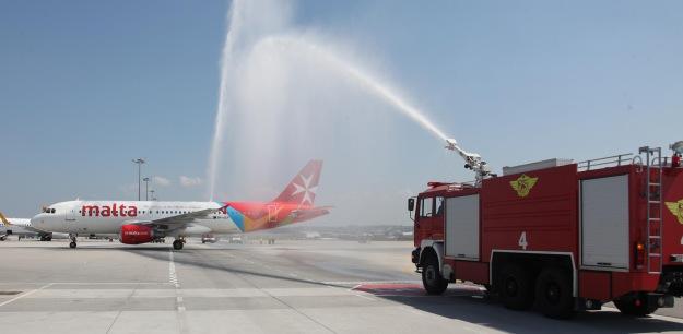 Malta A320-200 9H-AEP arriving at SAW (Air Malta)(LR)