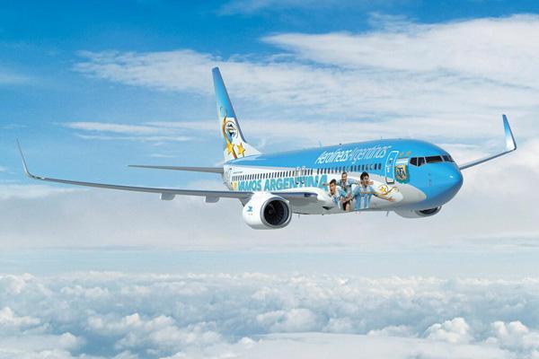 Aerolineas Argentinas 737-700 WL LV-CSI (14-Vamos Argentina)(Flt)(AR)(LRW)