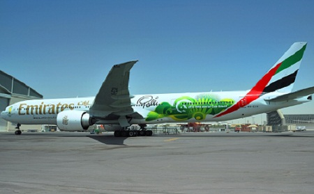 Emirates 777-300 A6-ECV (14-2014 FIFA World Cup Brazil-Pele)(Grd)(Emirates)(LR)