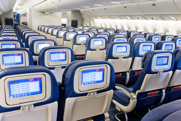Delta 777-200 Economy Inflight Entertainment (Delta)(LRW)