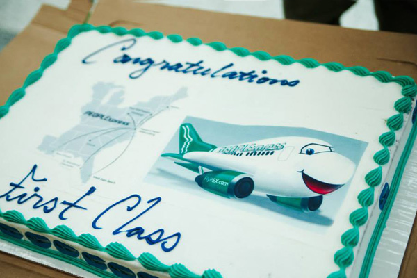 PEOPLExpress (Vision Airlines) Cake (LRW)