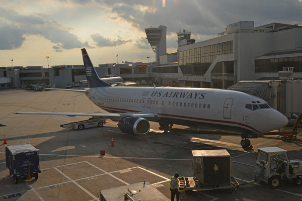 US Airways 737-400 N435US at the gate (JS)(LRW)